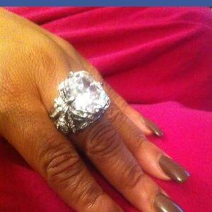 Jewelry - Custom Jewelry Ring